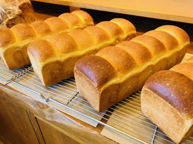 毎週月曜日は食パン10%off
