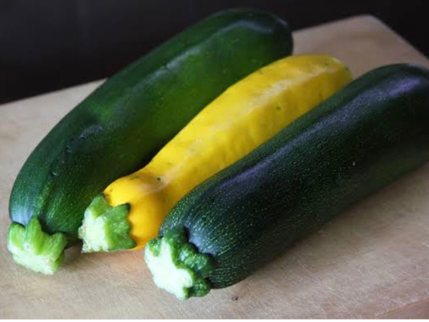 野菜の紹介です|野菜がおいしいごはん|愛知県安城市 暮らしのお店野菜の紹介です【ズッキーニ】